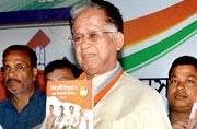 Tarun Gogoi takes cue from PM Modi to woo Assam