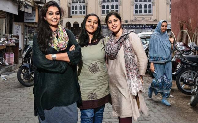 (From left) Insia Dariwala, Aarefa Johari and Shaheeda Tavawalla-Kirtane. Picture courtesy: Danesh Jassawala
