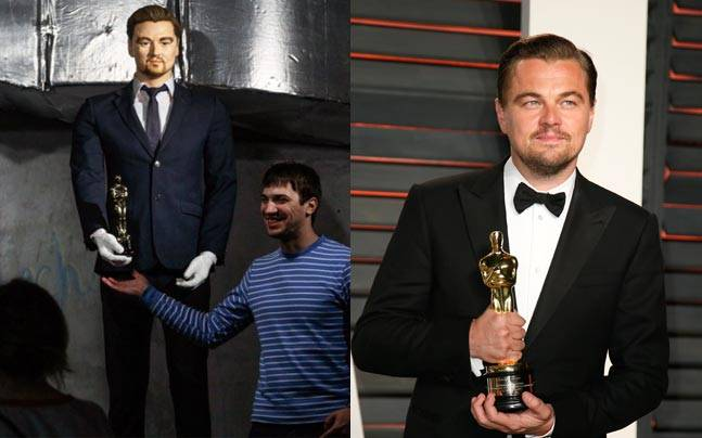 A Russian fan with Leonardo DiCaprio statue