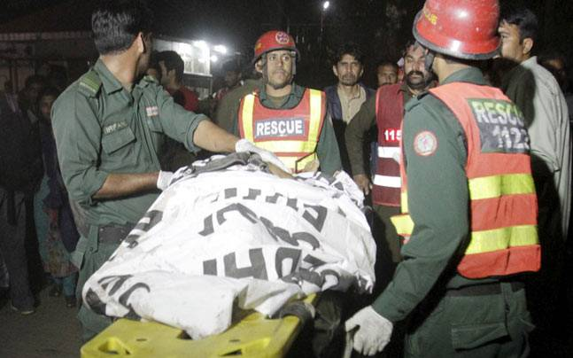 Suicide bomber kills 69 in Lahore
