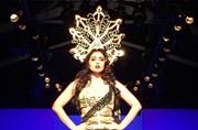 #AIFWAW16: Did you see Shriya Saran's massive headgear from the Annaika runway?