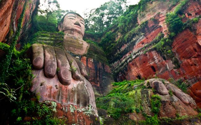 The giant Buddha statue in Leshan, China. Picture courtesy: Flickr/Xavi/Creative Commons