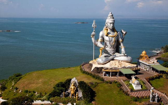 The Shiva statue in Murudeshwar, Karnataka. Picture courtesy: Flickr/Sam valadi/Creative Commons