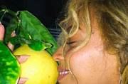 What's with you and lemons of late, Beyonce?