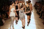 Watch: Learn how to do the catwalk in 2 simple steps (ouch!)