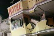 Powerful earthquake kills 77 in Ecuador, tsunami warning lifted
