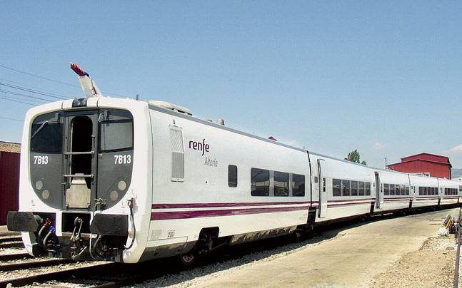 Nine Talgo coaches have already arrived at the Mumbai port