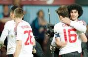 Manchester United spoil West Ham party to reach FA Cup semis