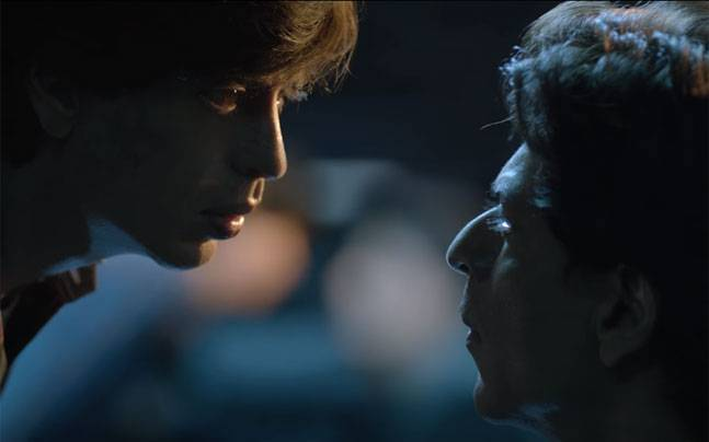 Shah Rukh Khan as Gaurav (L) and Aryan Khanna in a still from Fan