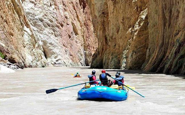 Rafting on River Zanskar in Ladakh. Picture courtesy: Facebook/Explore Indonesia & World Independent Traveler