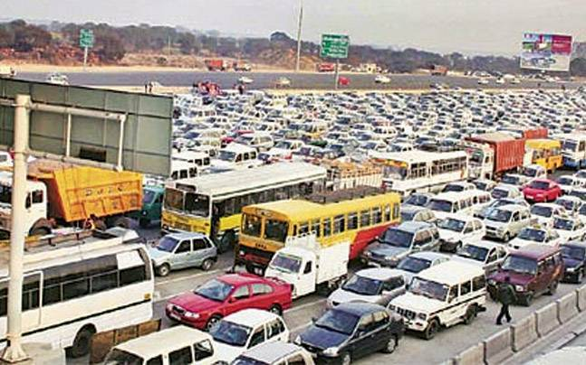 It is a harrowing task for commuters on the Delhi-Gurgaon Expressway to cross the Sirhaul toll plaza as it faces frequent traffic snarls.