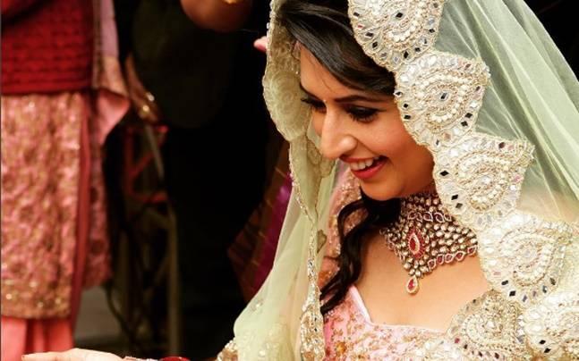 Look Whos Getting Divyanka Tripathis Wedding Lehenga Designed
