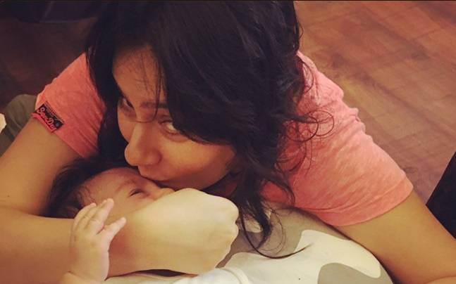 Kanchi Kaul with her 3-month-old son Ivarr. Picture courtesy: Twitter/Kanchi Kaul