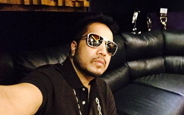 Has Mika sent a notice to Colors demanding his payemnt be released? Picture courtesy: Instagram/Mikasingh