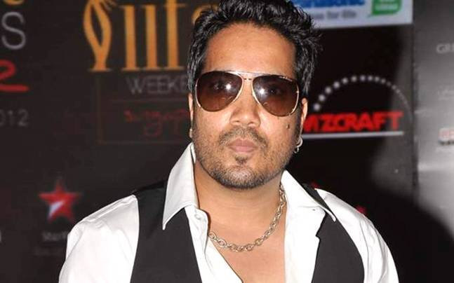 Mika Singh will be a guest on The Kapil Sharma Show this weekend.