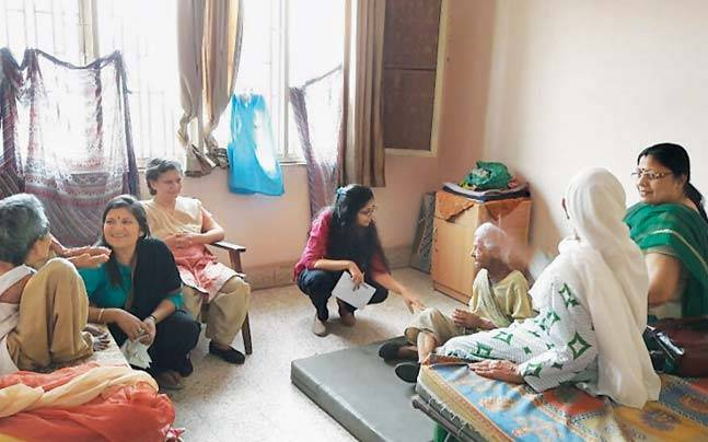 DCW chief Swati Maliwal during a surprise inspection of the Bindapur Old Age Home on Sunday.