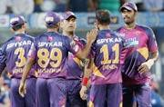 IPL 2016: Rising Pune Supergiants battle for survival against in-form Sunrisers Hyderabad