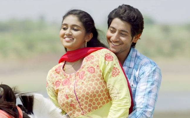 Rinku Rajguru and Akash Thosar in a still from Sairat