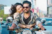 Dhilluku Dhuddu trailer: Santhanam's upcoming film is a reminiscent of Lollu Sabha