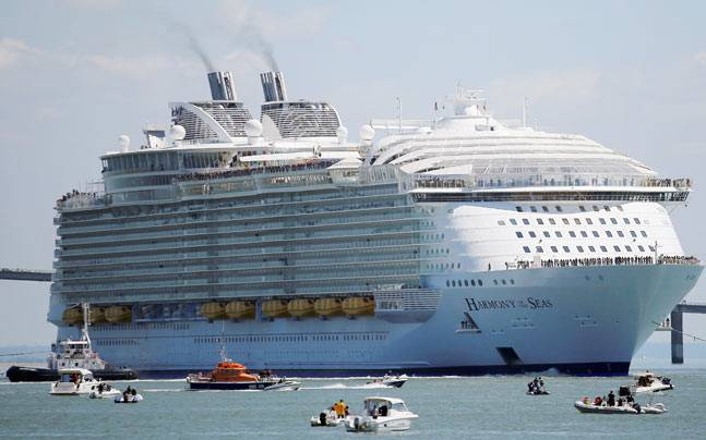 Restaurants Pools Things You Wanted To Know About The - Largest cruise ship of the world
