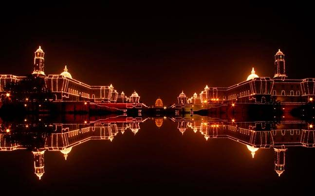 Rashtrapati Bhavan is beautifully lit up on the eve of Republic Day celebrations. Picture courtesy: Flickr/parth thakkar/Creative Commons