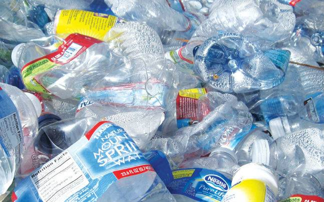Karnataka Engg  students convert waste plastic into oil for