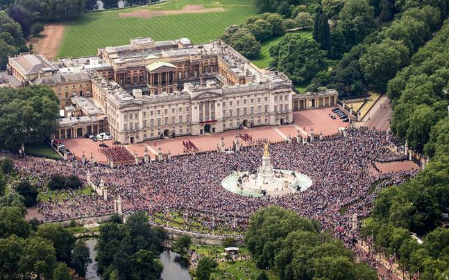 Fancy staying at the Buckingham Palace? Photo: Reuters
