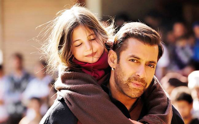 Harshaali Malhotra and Salman Khan