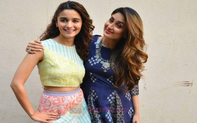 Alia Bhatt (L) and Kareena Kapoor Khan