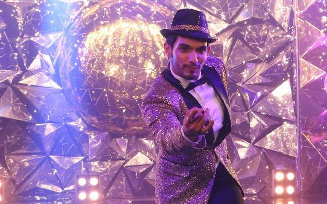 Arjun Bijlani on the sets of Jhalak Dikhhla Jaa 9.