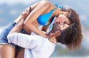 Befikre: Ranveer Singh, Vaani Kapoor turn on the heat in new poster