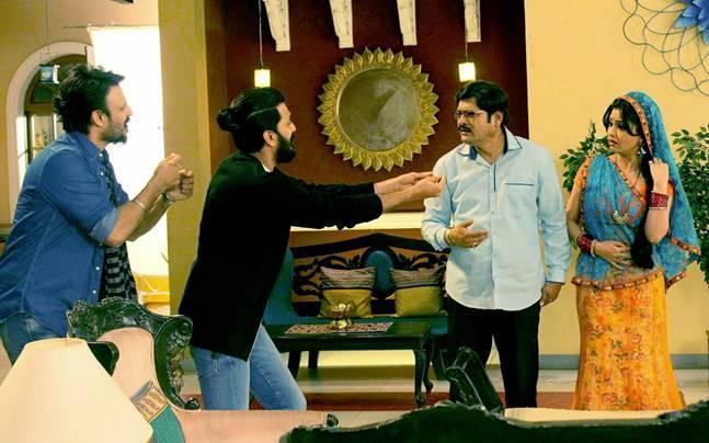 Bollywood actors Vivek Oberoi and Riteish Deshmukh will promote their upcoming film Great Grand Masti on Bhabi Ji Ghar Par Hai. Photo: Yogen Shah