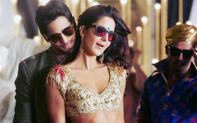Kala Chashma Video Out Sidharth Katrina Are Married In The New Baar