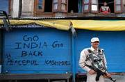 Muslims defy curfew in Kashmir to ensure ritualistic funeral for a Kashmiri Pandit