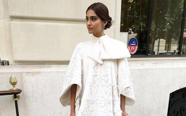 Sonam Kapoor is slaying it in style. Picture courtesy: Instagram/@namratasoni