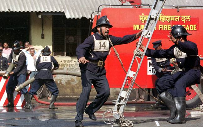 Apply at Brihanmumbai Municipal Corporation for 774 Fireman posts, Image source: International Business Times