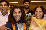 Hero's welcome for 'Sultan' Sakshi Malik