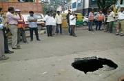Bangalore metro tunnelling causes cave-in, biker narrowly escapes accident