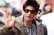 Shah Rukh detained at Los Angeles airport;