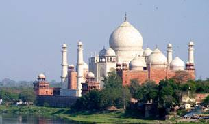 Agra's Taj Mahal and its adjoining areas attract a huge number of foreign tourists every year. Picture courtesy: Flickr/Silke/Creative Commons