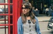 Hina Khan aka Akshara is shopping, sightseeing and having the time of her life in London