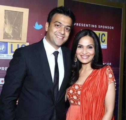 Soundarya confirms divorce with Ashwin