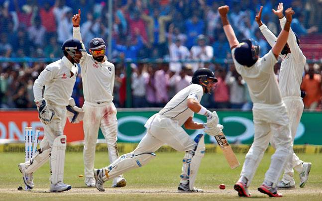 India team celebrates victory (Reuters Photo)