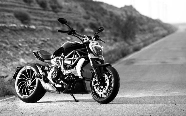 Ducati Diavel Price >> Ducati X Diavel Launched In India Priced At Rs 15 87 Lakh Auto News