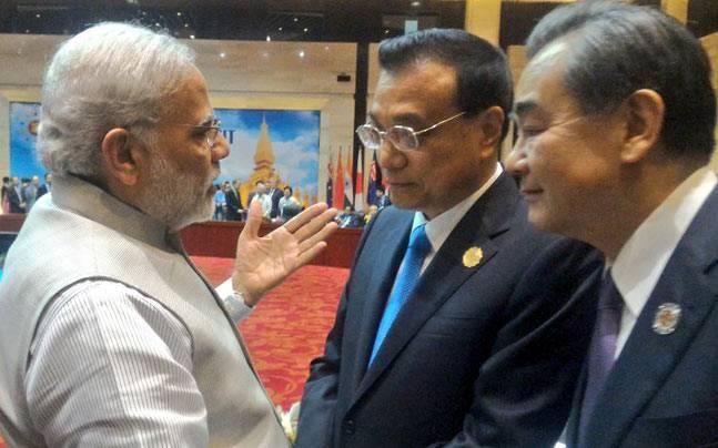 Narendra Modi with Li Keqiang