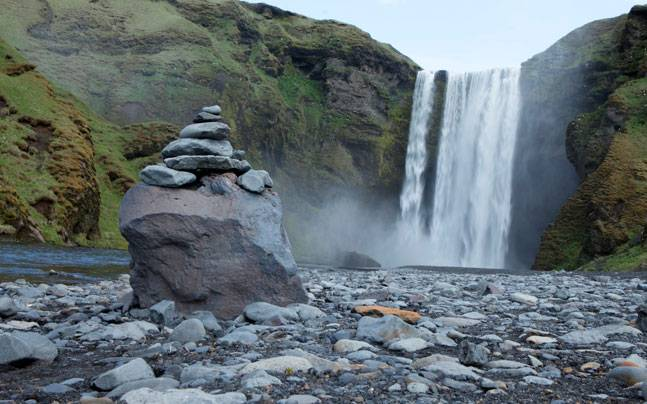 A beautiful waterfall in Skogarfoss, Iceland. Photo: Reuters