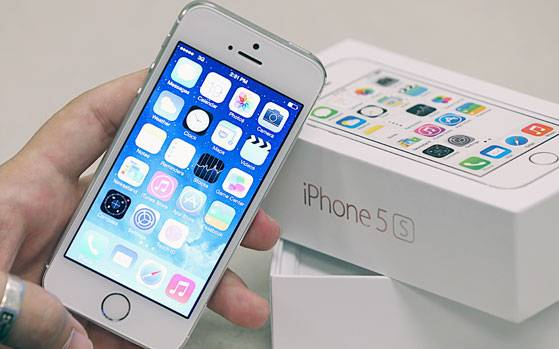 iphone 5s trade in value apple iphone 5s now selling for rs 20 000 but should you 17511