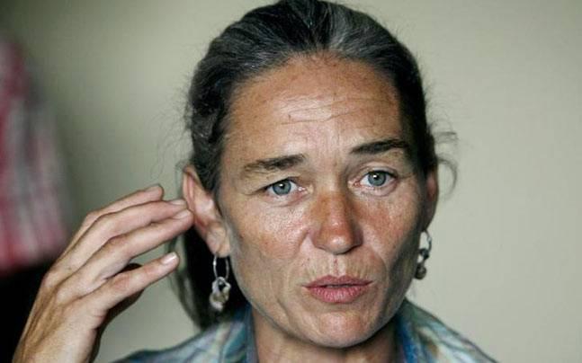 Fiona MacKeown, Scarlett Keeling's mother