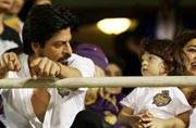 WATCH: Shah Rukh capturing AbRam running in slo-mo, shows he has the makings of a great director