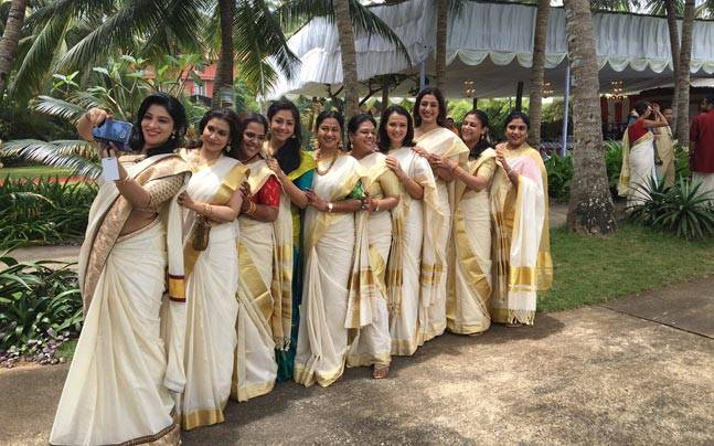Tabu with her beautiful actress friends. Picture courtesy: Twitter/@sripriya